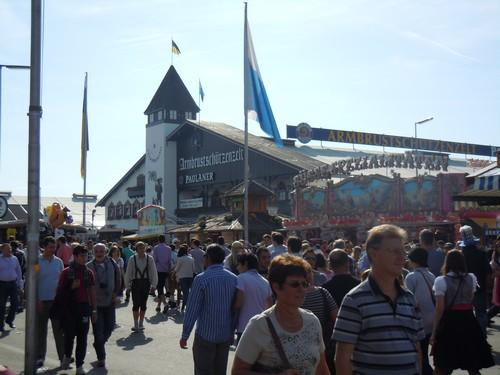 PHOTOS DE L'OKTOBERFEST 2011 A MUNICH Dscn1175-2d31ef4