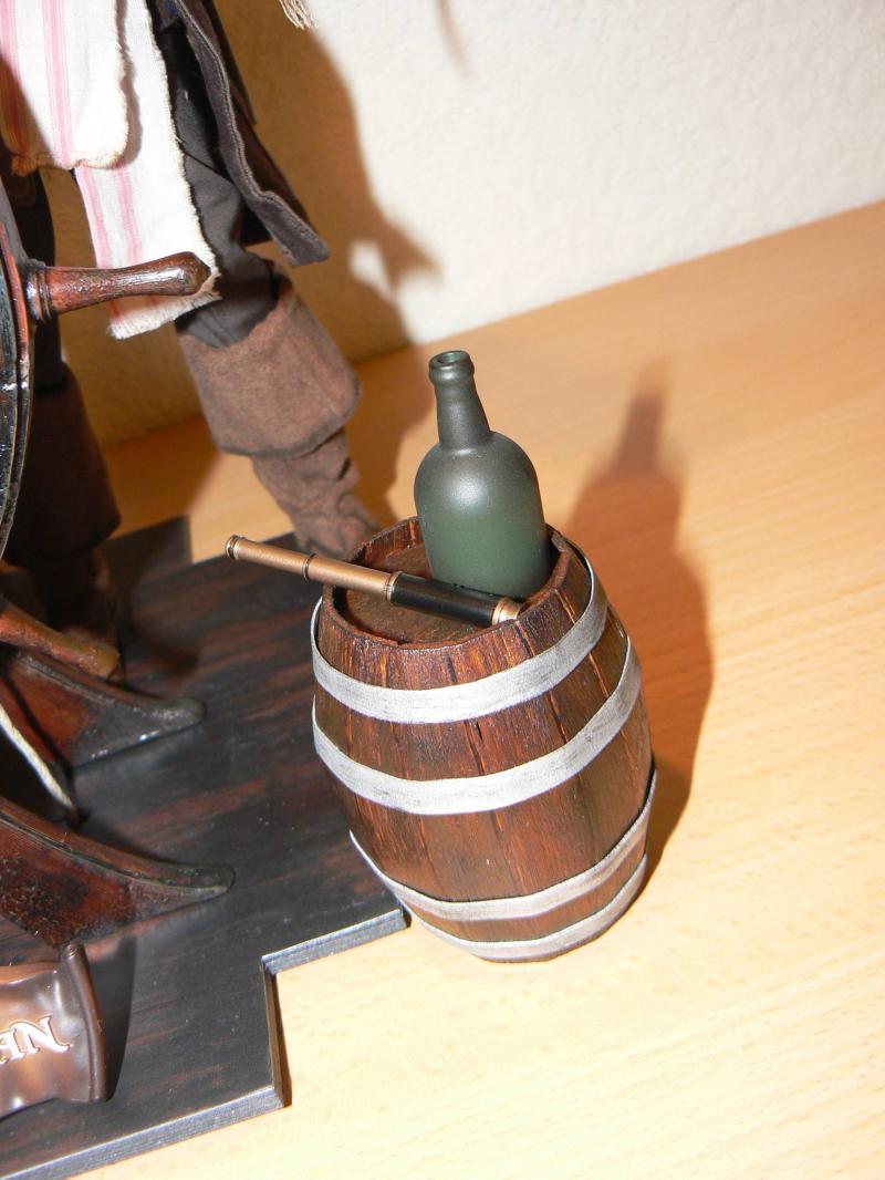 Les customs du Skarabee - tonneau de rhum en bois pour mon capitain (page 4) - Page 3 P1030466-31daec7